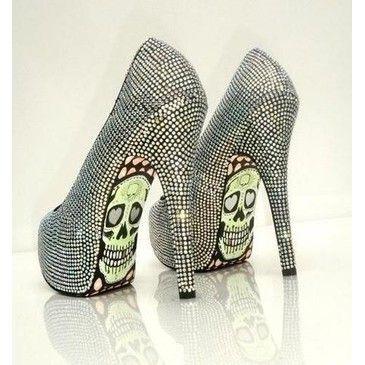 zapatos extravagantes calabera