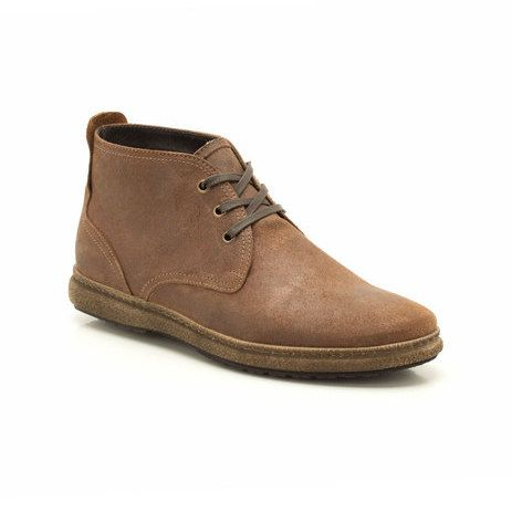 Referencing our iconic Desert Boots these men's ankle boots feature simple lines in earthy brown nubuck. A casual look that oozes character, Safari Vibe is finished with stitched sole detailing and a lace fastening.