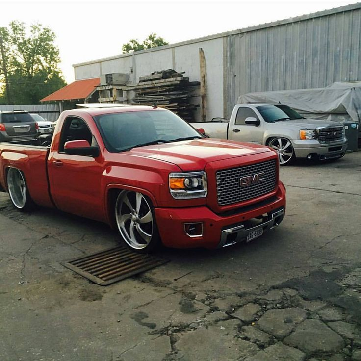 Gotta love a nice truck! Whether its lifted or lowered, old or new.