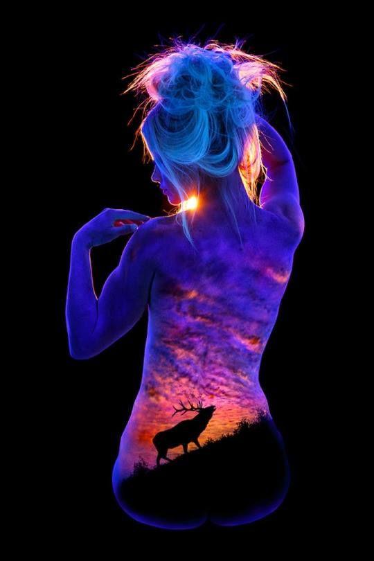 Nigh Glow Body Painting by John Poppleton. Read Full article: http://webneel.com/oil-painting | more http://webneel.com/daily . Follow us www.pinterest.com/webneel