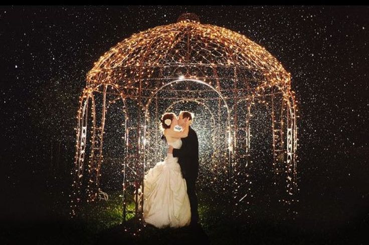 This glittering gazebo makes for one spectacular night shot | Studio Tran Photography