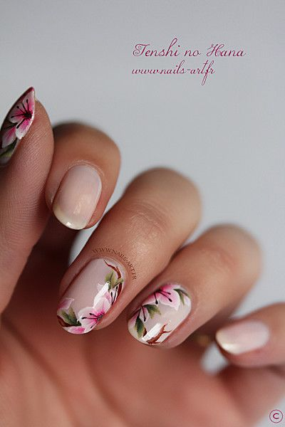old school nail art...I remember getting floral design in high school for more findings pls visit www.pinterest.com/escherpescarves/