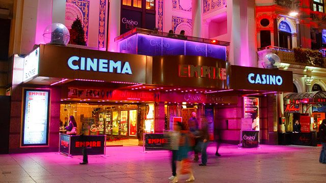 Leicester Square Empire Casino © Visitlondonimages/britainonview/Pawel Libera