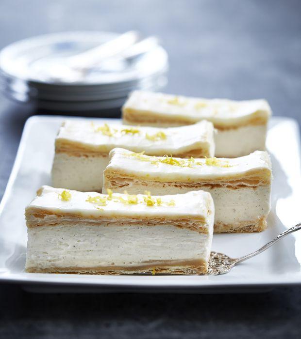 Lav din napoleonskage med lemoncurd og smag, hvordan den klassiske napoleonskage når nye højder.