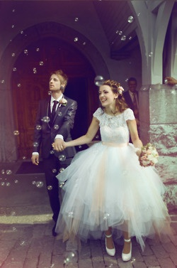 This dress! And how cute is this couple?