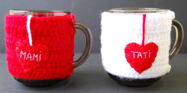 Crochet mug cover mom and dat, crochet cup cover mom and dad