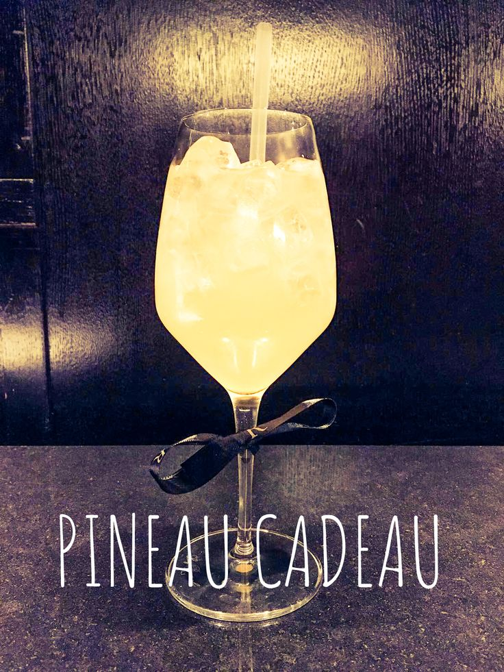 Pineau Cadeau . Pineau Bourgoin . Yuzu . Barons de Rothschild  #renhotels #renaissanceparisarcdetriomphe #cocktails #lifestyle #businessunisual