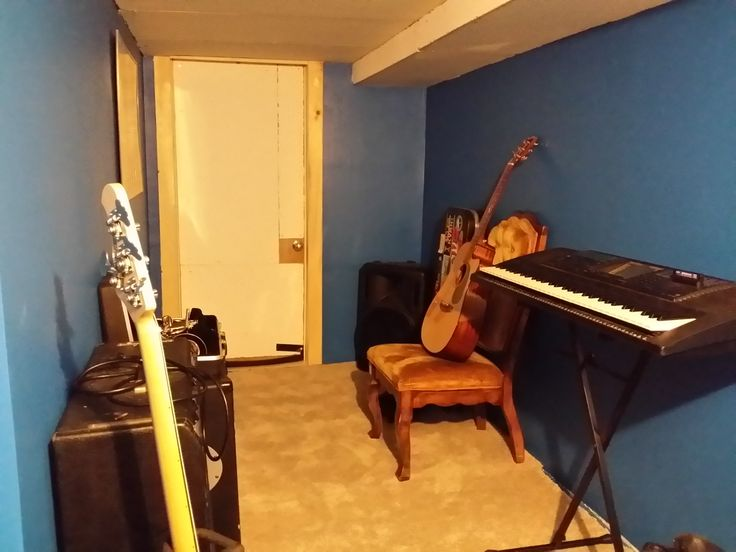 Attractive Soundproof Room Built On The Cheap In A Basement