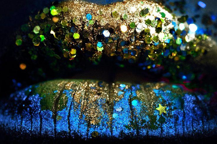 glitter lips macro: Artists, Make Up, Glitter Lips Macro, Makeup Lips, Lipstick, Beauty, Last Year,  Baur, Eye