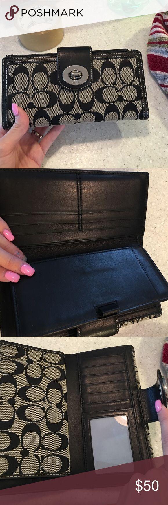 Coach wallet great condition Coach wallet great condition Coach Bags Wallets