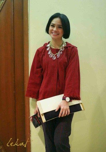 Lovely red. Tenun Baduiy, Lekat