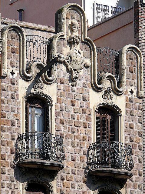 Oh YES!!........Barcelona - Aribau 178 b: Casa Torres Germans II. Architect: Jaume Torres i Grau