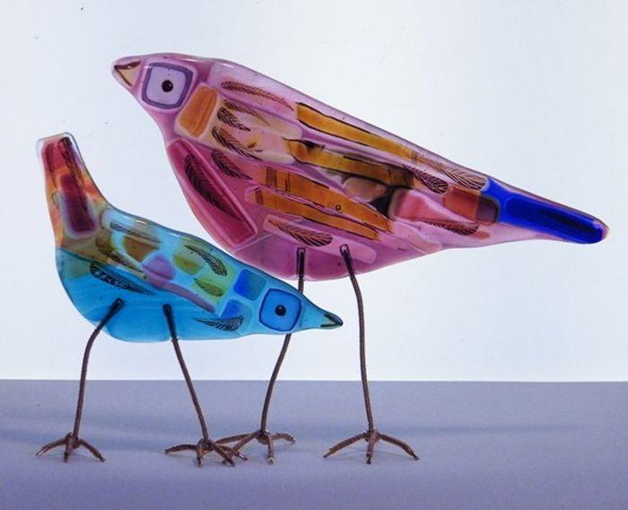 Glass tweety birds :-) | http://www.objetosconvidrio.com/blog/emma-butler-cole-aiken Emma Butler Cole Aiken