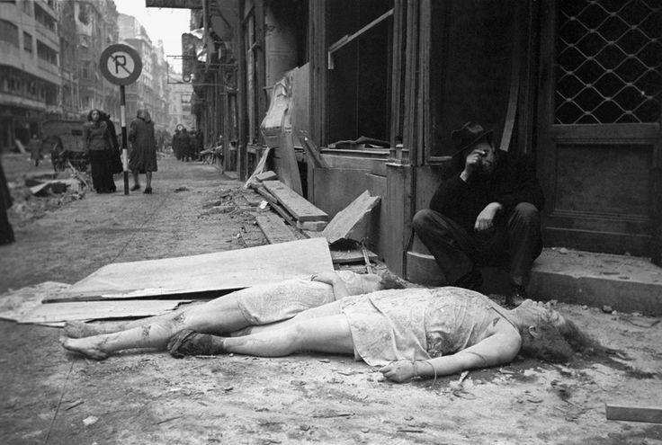 Budapest, 1945. január – Jevgenyij Halgyej, MTI: Holttestek a Belvárosban