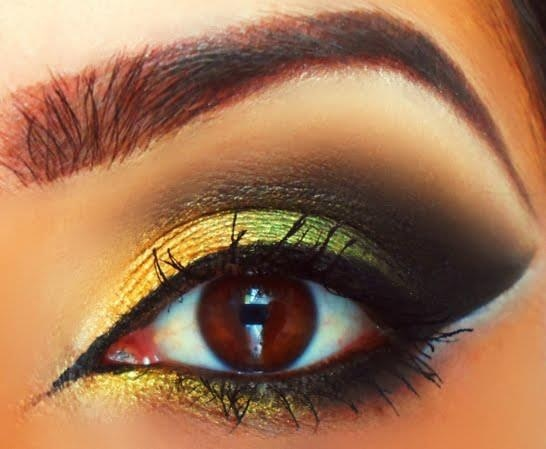 Excellent eyeshadow definition. Yellow and black.