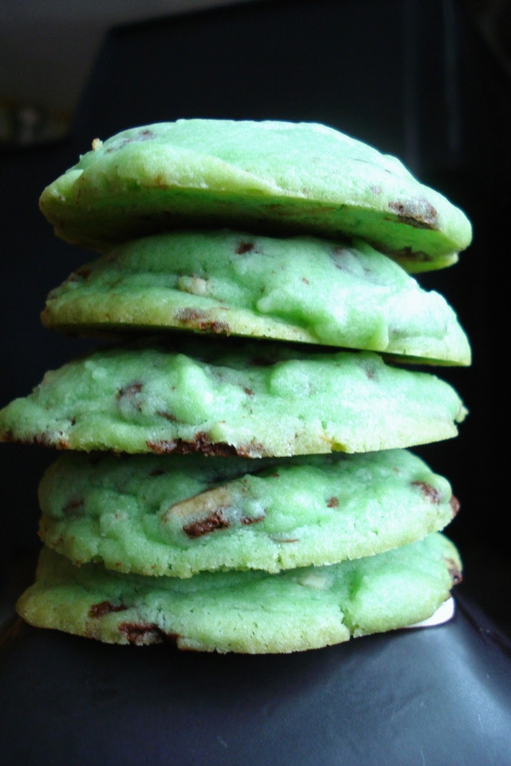 Mint Chocolate Chip sugar cookies.: Chips Sugar, Mint Chocolate Chips, Chocolates Chips, Sugar Cookies, Cookies Recipes, Mint Cookies, Mint Chocolates, Chocolates Mint, Cookie Recipes