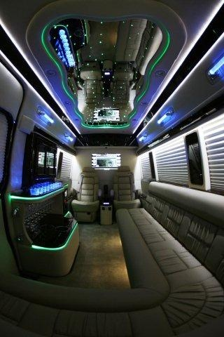 We provide Limousine Service Honolulu, Car service honolulu, waikiki and Town car service honolulu  in affordale price.