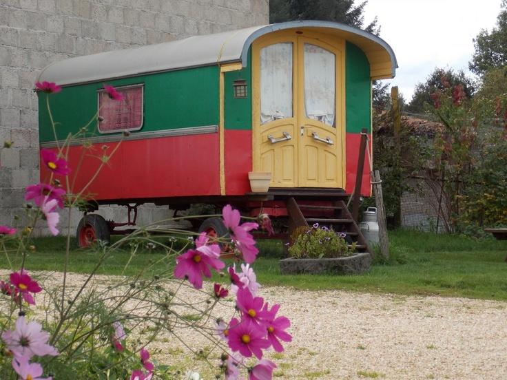 Une Roulotte authentique à la Ferme - Ferme du Pré Fleuri - France