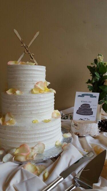 Flower petal wedding cake; Black Mountain Lodge at Arapahoe Basin Ski Area