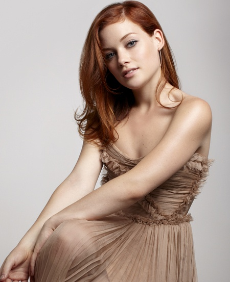 chain wallet chains Jane Levy  stimulate IT
