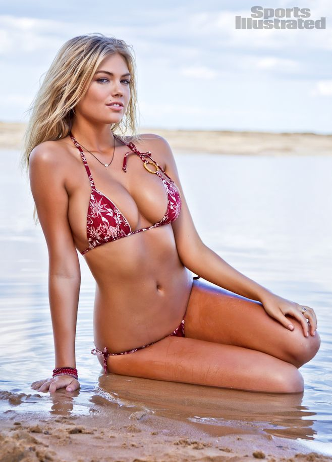 """EyeDessert's Babe Of The Day (4/13/12) - Kate Upton (""""The Three Stooges"""")"""