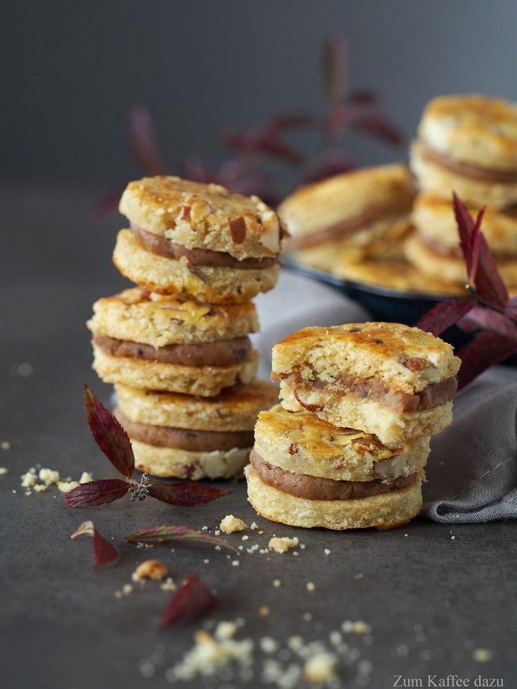 Ich liebe Maronen! Und diese leckeren Cookies mit Mandeln sind damit gefüllt :) Mein perfektes Gebäck für den Herbst :)