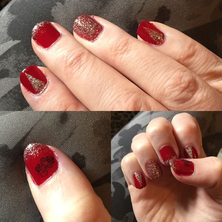 Easy Red nails with silver glitter.