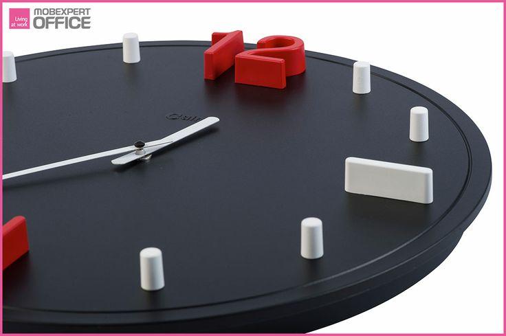 #Știațică: nu au existat ceasuri în casele oamenilor până în secolul al 14-lea.  Astăzi ne putem alege cele mai sofisticate modele, culori sau forme de ceasuri.  Ceasurile au devenit elemente de design interior, care se asortează cu mobilierul și oferă spațiului un aspect deosebit.