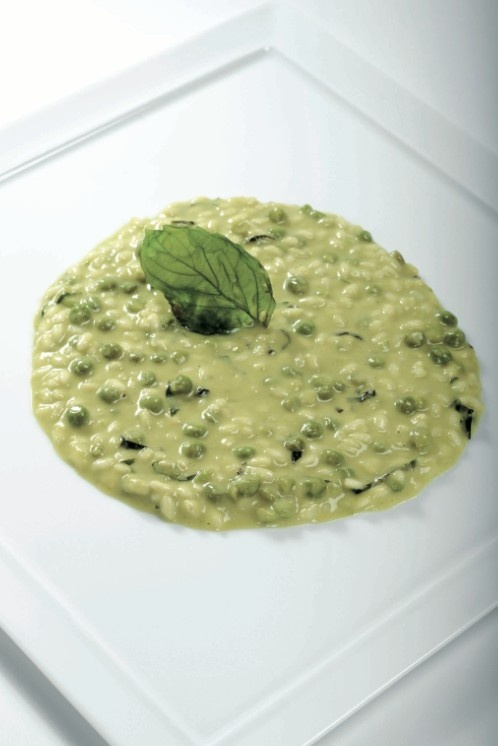 Risotto con piselli, Grana Padano e basilico. Cliccate sulla foto per la ricetta completa!