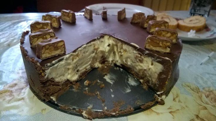 Csak1szelet: Sütés nélküli snickers sajttorta