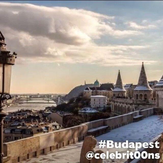 """""""#Budapest es la capital y ciudad más poblada de #Hungría , así como su principal centro industrial, comercial y de transportes. La ciudad posee 1,74…"""""""