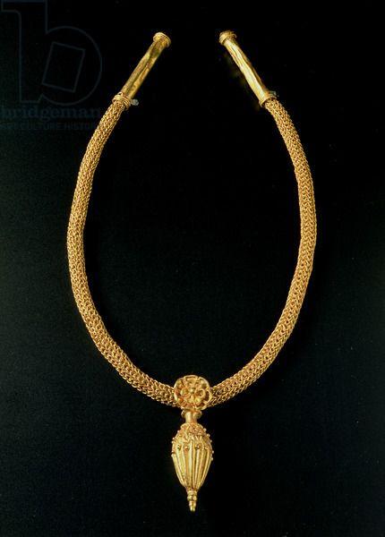 Gold necklace from Monte Luna, Senorbì, Sardinia. IV sec. A.C. (B.C.) Punic Necropolis.