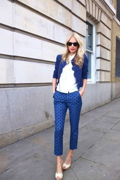 You can also choose to wear same colour for top and bottom. There is absolutely nothing wrong with wearing one colour head to toe. But are you concerned you might look like the blueberry girl from Willie Wonka? No worries. Give it a nice visual break with a white shirt.