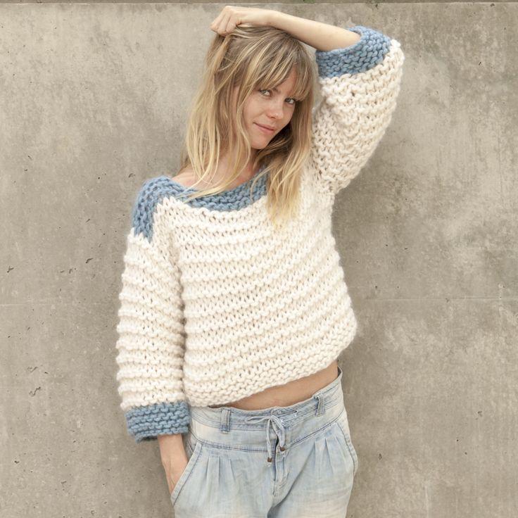 EnIFIL nos gusta hacermagiacon las agujas y más auncompartir nuestros trucos para conseguirla. ¿Os imagináis tejer un jersey como este en 5 horas y con tan sólo 5 ovillos de katia Love Wool? Es…