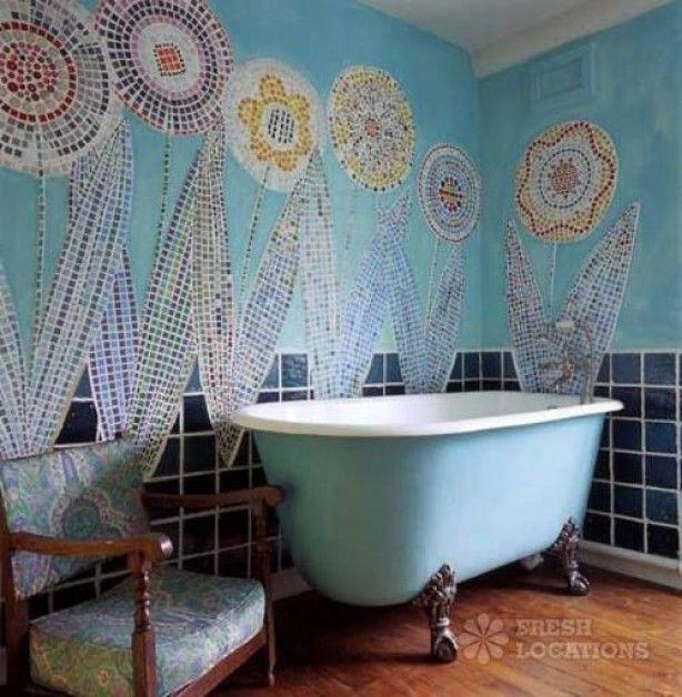 Mozaiek aan muur en meer.........