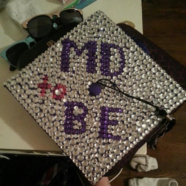 Is majoring in biology the same as majoring in pre-med?
