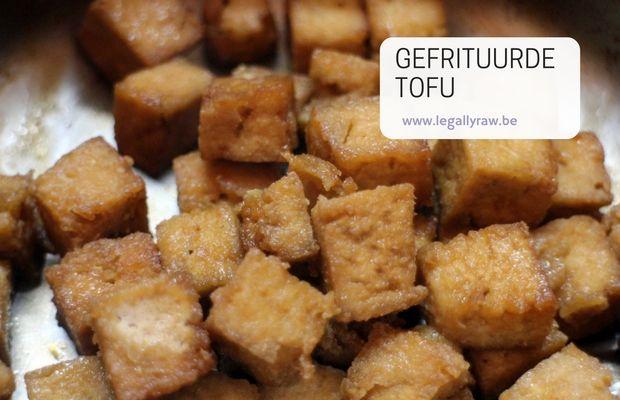 Om een gebakken ei zo goed als mogelijk te benaderen kan je de tofu frituren en dan in soja saus inkoken. Als de volledige blok gefrituurd wordt dan noemt men dit in Japan Atsu age. http://legallyraw.be/gefrituurde-tofu/