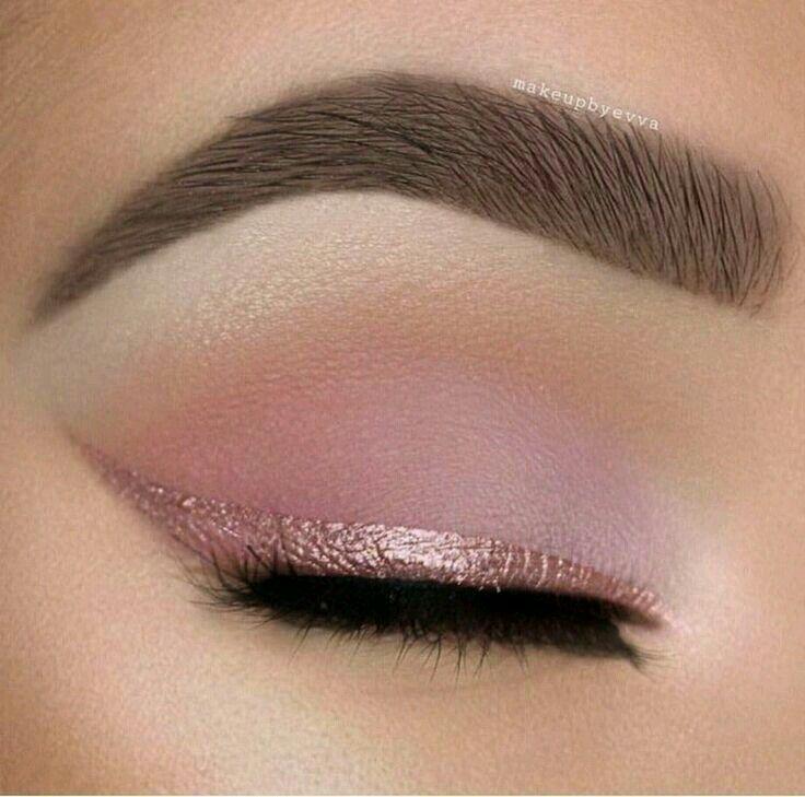 Beautiful pech smoke eye | woth matte white highlightes | pink sparkle eye liner | for blue eyes|<3