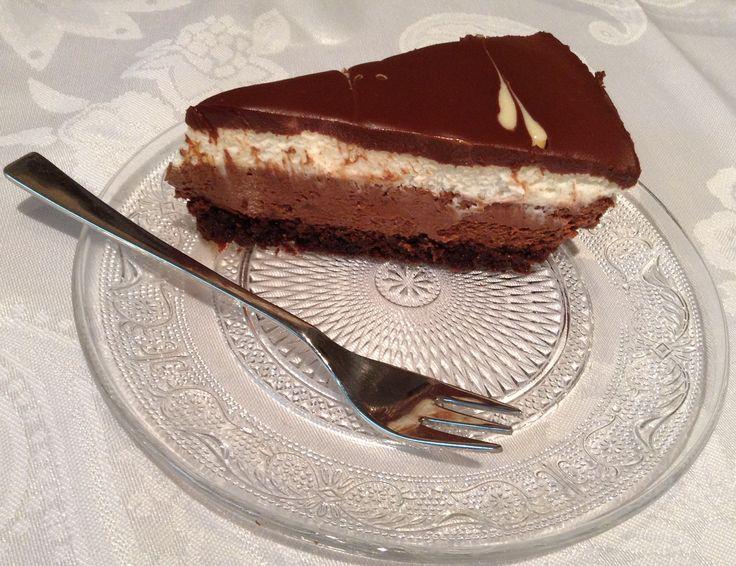 עוגת גבינה ושוקולד טוקסידו-קרם עשירה, יפיפיה וממכרת