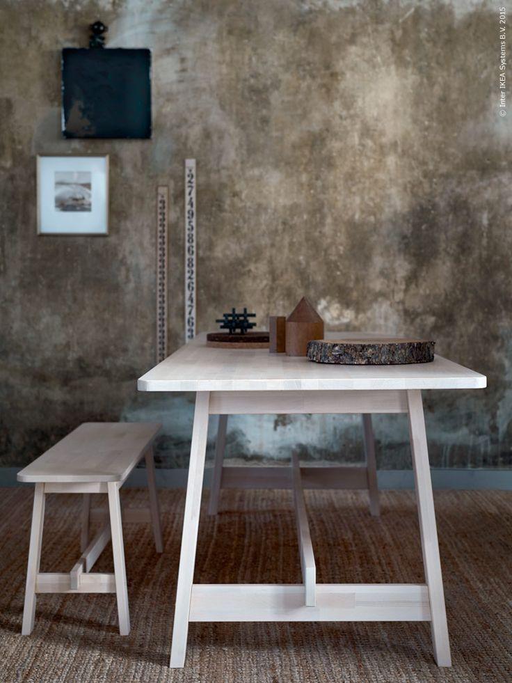 Möbelfamiljen NORRÅKER är gjord av finaste björk, med ett modernt skandinaviskt uttryck. NORRÅKER bord L220×B85, H74cm, och bänk L103xB29, H45 cm.