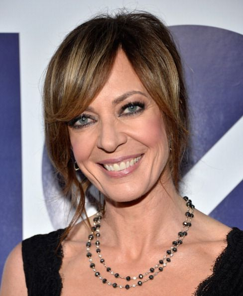 Allison Janney kept it classy in a little black dress at the #PeoplesChoiceAwards. Stylist Jill Crosby straightened her extremely curly hair with a 2-inch Boar Bristle, round brush & the T3 Featherweight Luxe 2i. Once dried, she used a sheen serum & T3 SinglePass Flat Iron on bangs & edges around face. Using the SinglePass Twirl Curling Iron, she recreated texture on random hair pieces. She shaped the chignon & and fasten it with 2-inch hairpins. She completed the style with finishing spray.