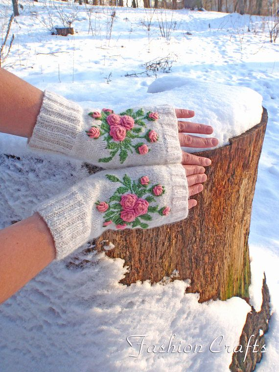 #KnittedFingerlessGloves #Wristwarmers #Митенки #Вышивка  #FashionCrafts