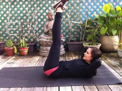 10 Minute Yoga & Pilates Abs Sequence for Home - mindbodygreen.com