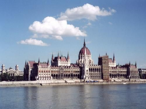 "Tour Budapest - 5-day trip to Budapest! Accommodation -3 * hotel"" Sissi."" Program of the trip includes: - WE offer the guide-interpreter to the group .Details on the website"