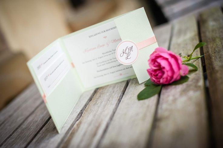 Wunderschön - das ganze Set. Letterpress-Einladung mit Pocketfold zur kirchlichen Trauung und zum anschliessenden Fest. www.hochdruckgebiet.de