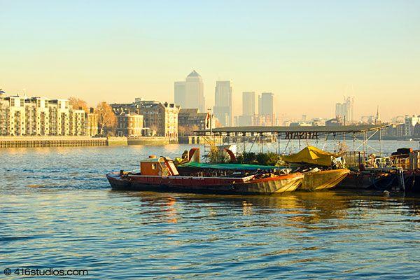 morning sky at Thames River