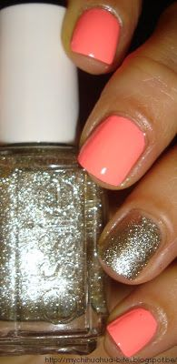 Simple yet surprisingly pretty peach nails with silver glitter feature nail