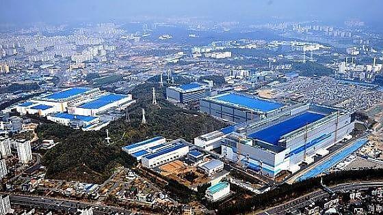 Samsung, una fabbrica da 14 miliardi. Operativa nel 2017