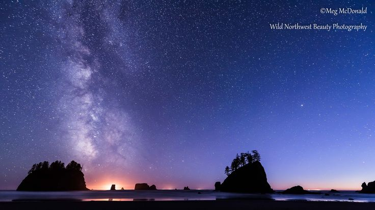 Milky Way over Olympic and Mount Rainier National Parks (HD Time Lapse)