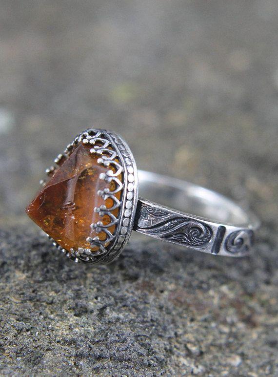 Citrine Crystal Tip Ring in Handmade Sterling Silver Setting, Raw Yellow Gemstone Jewelry, Stunning Statement Ring, November Birthstone